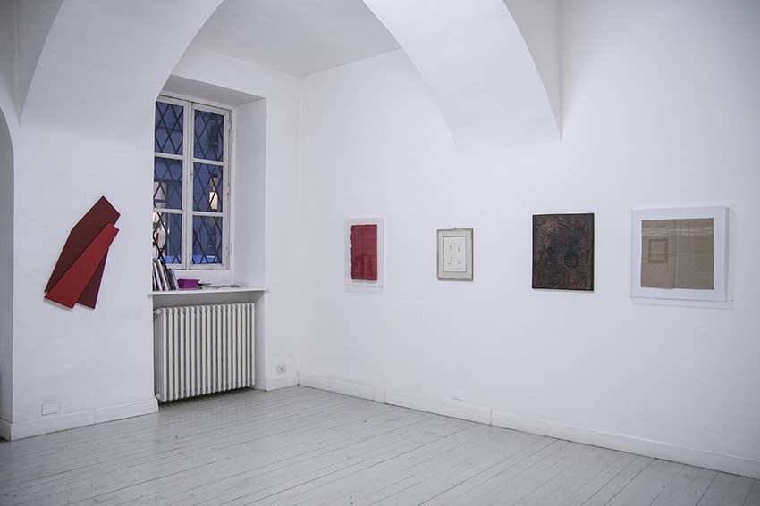 Monocromi, exhibition view
