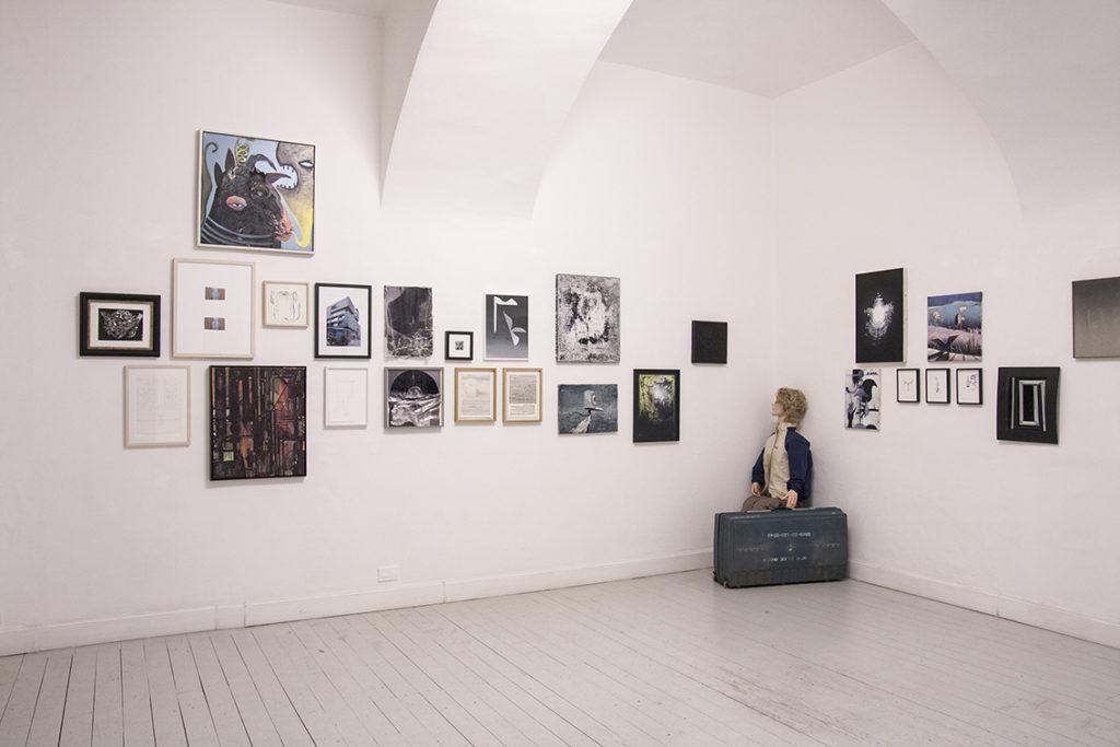 Wir nennen es arbeit, exhibition view
